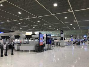 ターミナルはガラガラ